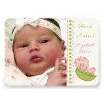 Bébé dans une photo de naissance de vert de rose d cartons d'invitation