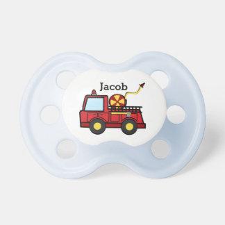 Bébé de camion de pompiers tétine