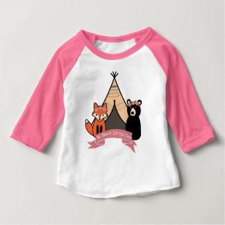 Bébé de T-shirt de région boisée