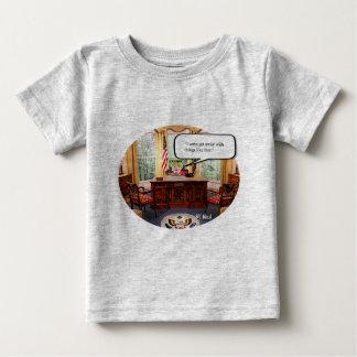 Bébé de Trumpy dans le bureau - T-shirt fin du