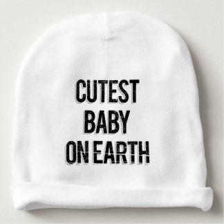 Bébé le plus mignon vintage sur des mots de la bonnet de bébé