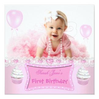 Bébé rose 2 de petits gâteaux de première fille invitations personnalisées