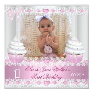Bébé rose blanc 2 de petit gâteau de première carton d'invitation  13,33 cm