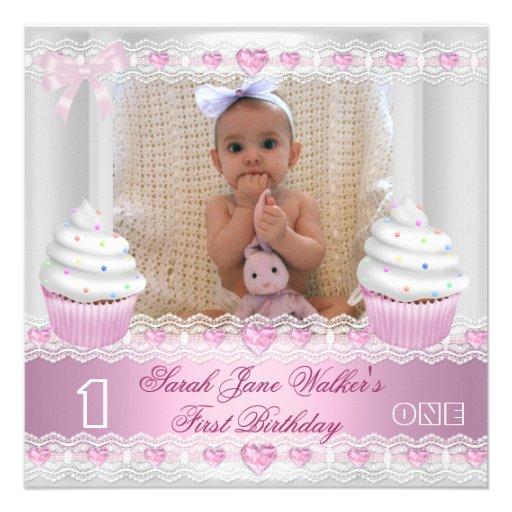 Bébé rose blanc 2 de petit gâteau de première fill faire-part