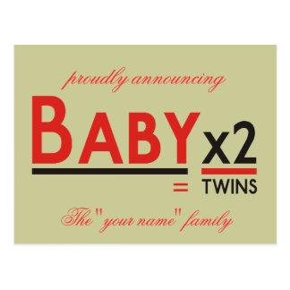 """Bébé X 2, fièrement annonçant, le """"votre nom"""" f… Carte Postale"""