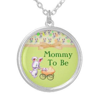 Bébés de lapin, baby shower crémeux de couleurs pendentif rond