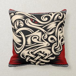 Beige noir rouge de coeur celtique coussin décoratif