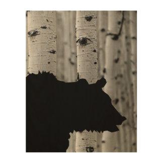 Bel art en bois de mur - silhouette d'ours dans