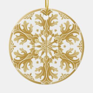 Bel ornement d'or de cercle de flocon de neige