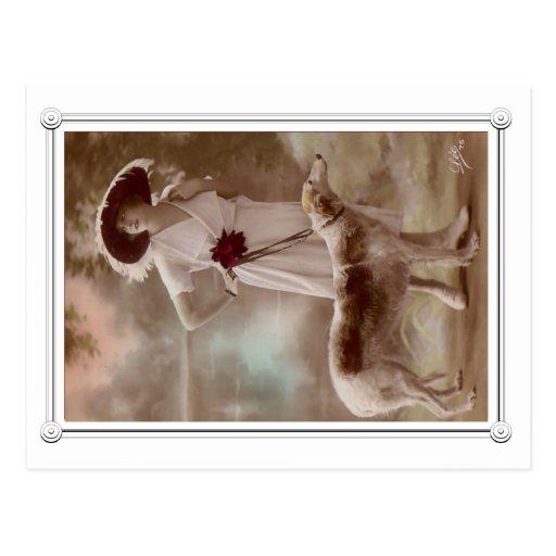 Belle carte postale vintage de femme et de chien
