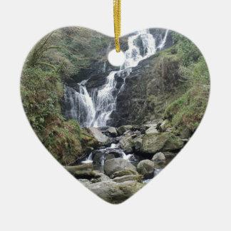 Belle cascade de Torc, Killarney Irlande Ornement Cœur En Céramique