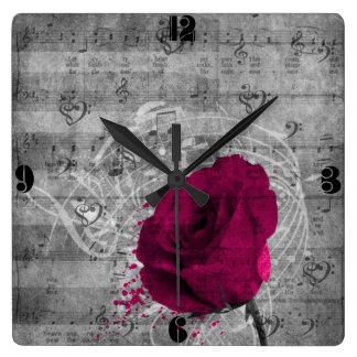 Belle éclaboussure antique de peinture de rose de  horloge carrée