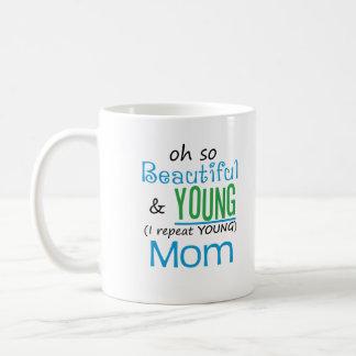 Belle et jeune maman mug