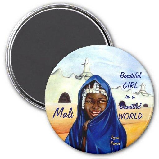 Belle fille dans un beau monde, aimant du Mali