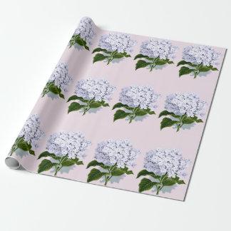 Belle fleur d'hortensia dans la violette papier cadeau