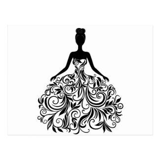Belle noce de fille de robe longtemps carte postale