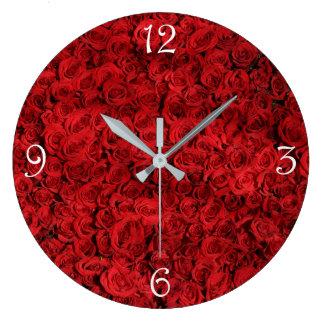 belle photographie élégante élégante de roses grande horloge ronde