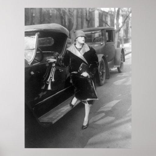 belles_femme_et_voitures_1926_affiches-r6a586019424d45fb97cf8f3b57c87b7a_aim4c_8byvr_512