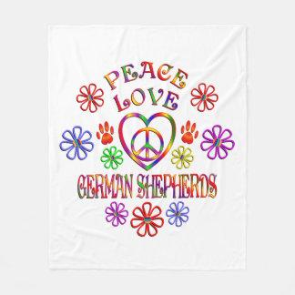Bergers allemands d'amour de paix couverture polaire