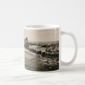 Biarritz Pont et Rocher Mug Blanc