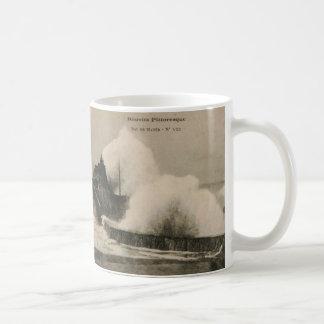 Biarritz Ruse de Marée Tempest 1920 Mug Blanc