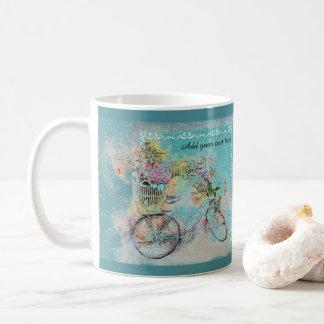 Bicyclette avec des paniers de fleur sur la toile mug