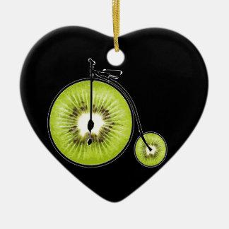 Bicyclette de kiwi ornement cœur en céramique