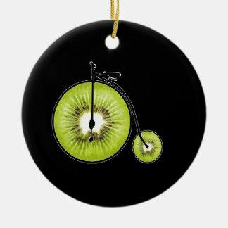 Bicyclette de kiwi ornement rond en céramique