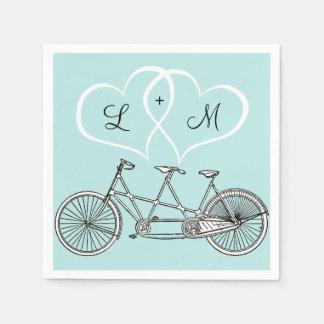 Bicyclette pour deux coeurs épousant la serviette serviette jetable