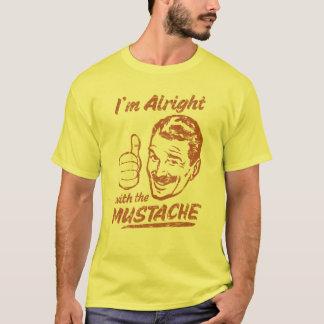 Bien avec la chemise de moustache t-shirt