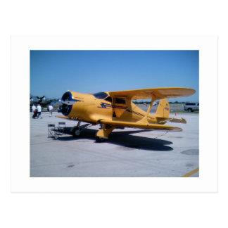 Biplan jaune carte postale