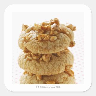 Biscuits d'arachide dans une pile sticker carré