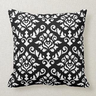 Blanc baroque de motif de damassé sur le noir coussins carrés