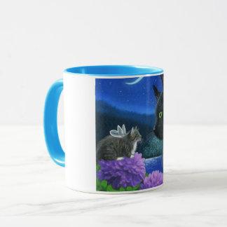 Blanc bleu de chat d'image d'équilibre de tasse