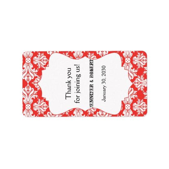 Blanc et étiquette rouge de baume à lèvres de