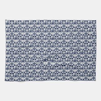 Blanc nautique de bleu marine checkered serviettes éponge