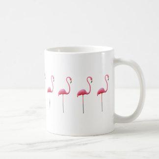 Blanc rose de tasse de flamant