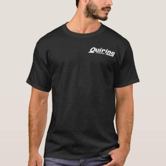 Blanc sur le T-shirt noir de silkscreen