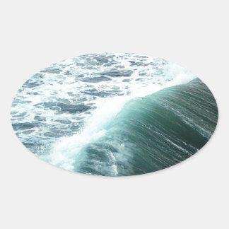 Bleu de l'océan pacifique sticker ovale