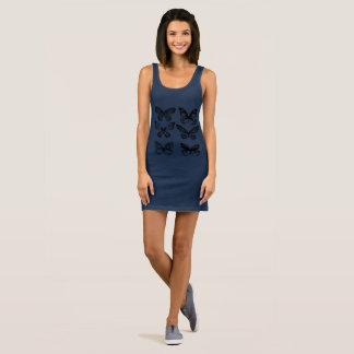 Bleu de robe artistique de filles avec des