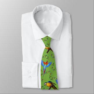 Bleu d'écarlate de perroquets et ara colorés d'or cravates