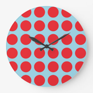 Bleu en pastel de pois rouge grande horloge ronde