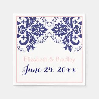 Bleu marine élégant de motif de damassé, mariage serviettes jetables