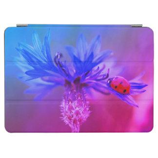 Bleuet bleu avec une coccinelle protection iPad air