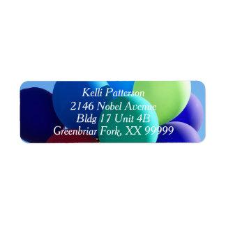 Bleus de ballon étiquette d'adresse retour