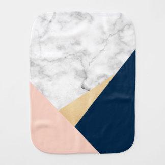 bloc bleu de couleur de pêche de marbre blanche linges de bébé