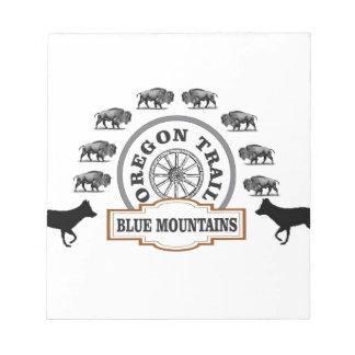 Bloc-note art bleu de passage de montagne