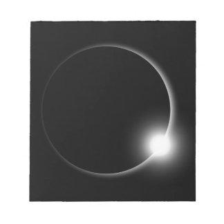 Bloc-note Éruption chromosphérique de fusée de Sun d'éclipse