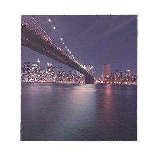 Bloc-note Horizon de nuit de pont de New York City Brooklyn