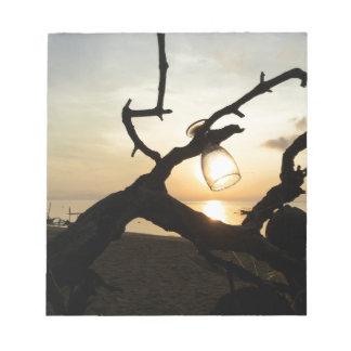 Bloc-note Lever de soleil sur la plage dans Bali